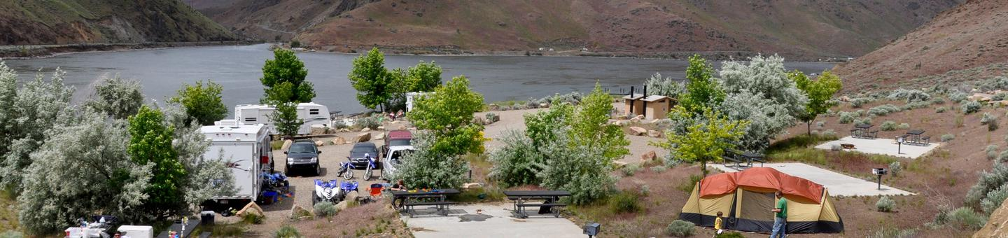 Steck Park Campground - BLM IdahoImage of tent and trailer campers at Steck Park campground located on Brownlee Reservoir on the Snake River.