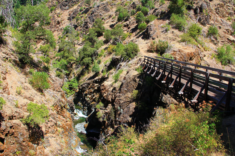 Footbridge over Mule CreekFootbridge over Mule Creek