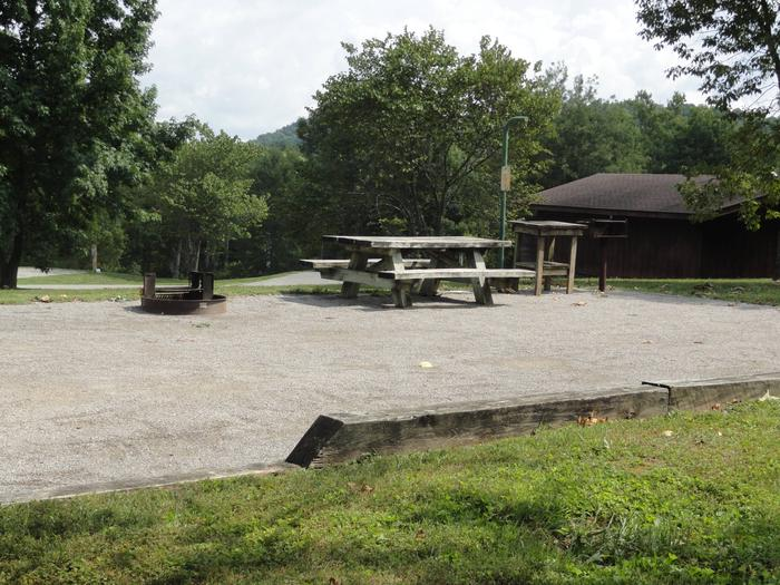 WILLOW GROVE CAMPGROUND SITE #79 TABLES AND GRILLWILLOW GROVE CAMPGROUND SITE #79