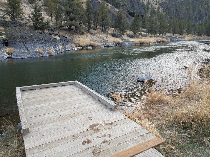 Accessible fishing pier at Palisades Campground