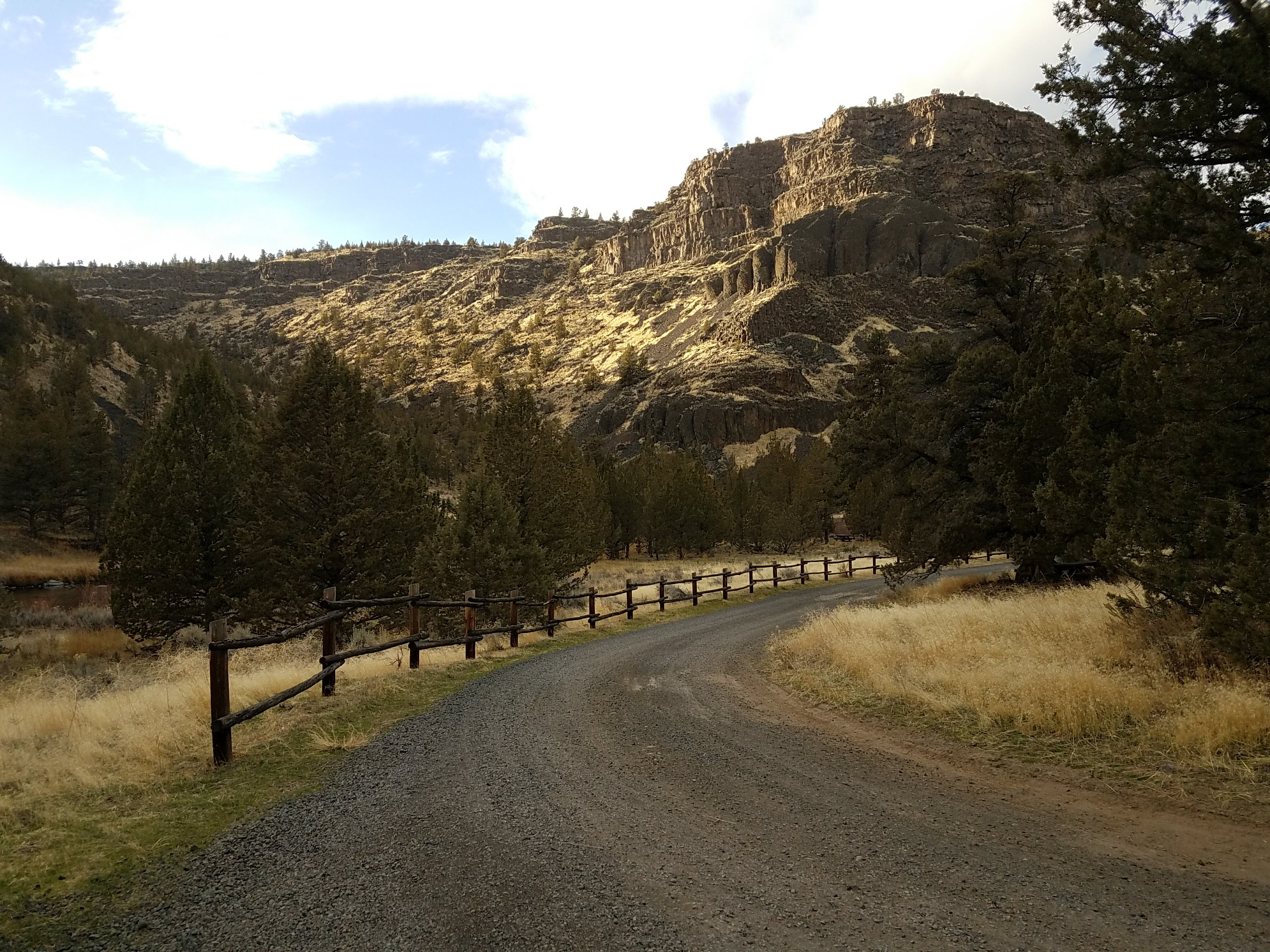 Rocky Canyon across Crooked River at Lone Pine Campground