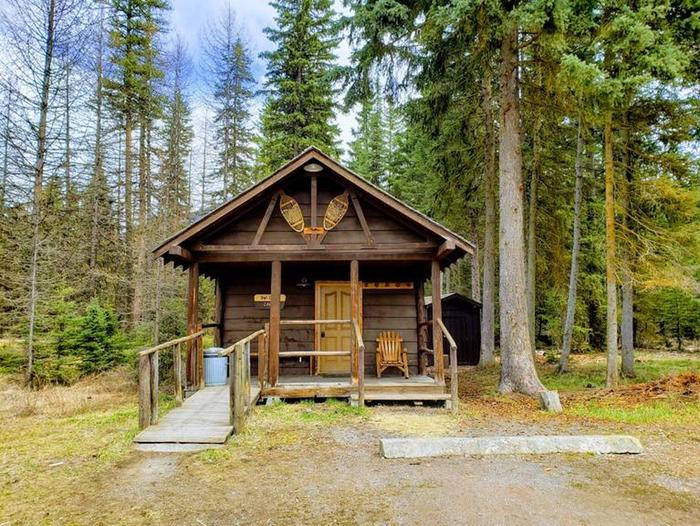 Cabin with ramp and parking areaOwl Creek Cabin