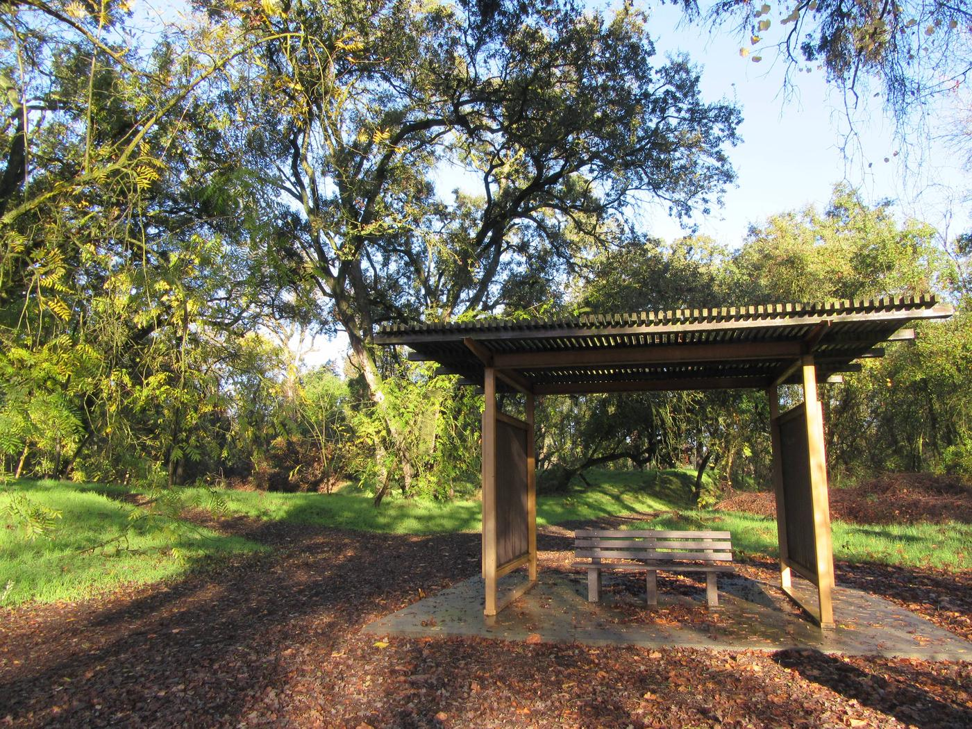 Valley Oak Recreation AreaRest area for viewing wildlife and scenery at the Valley Oak Recreation Area