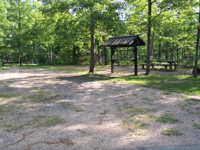 Spacious double campsite 3 accomodates up to 13 peopleDouble campsite 3