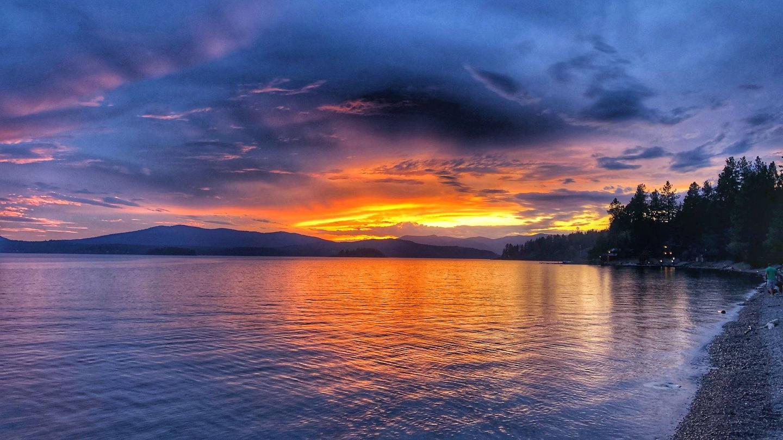 Sam Owen Sunset. Photo by Mike Hynes.Sam Owen Sunset