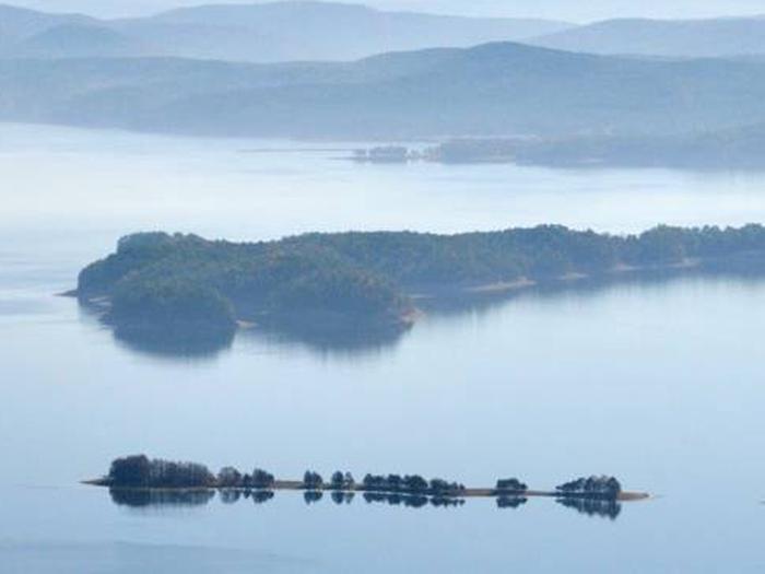 Preview photo of Lake Ouachita