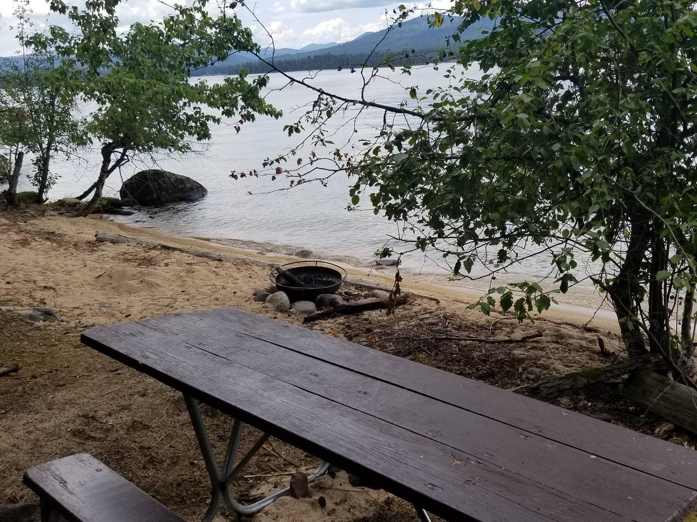 North Bartoo Site #5North Bartoo Boat-in Campsite #5