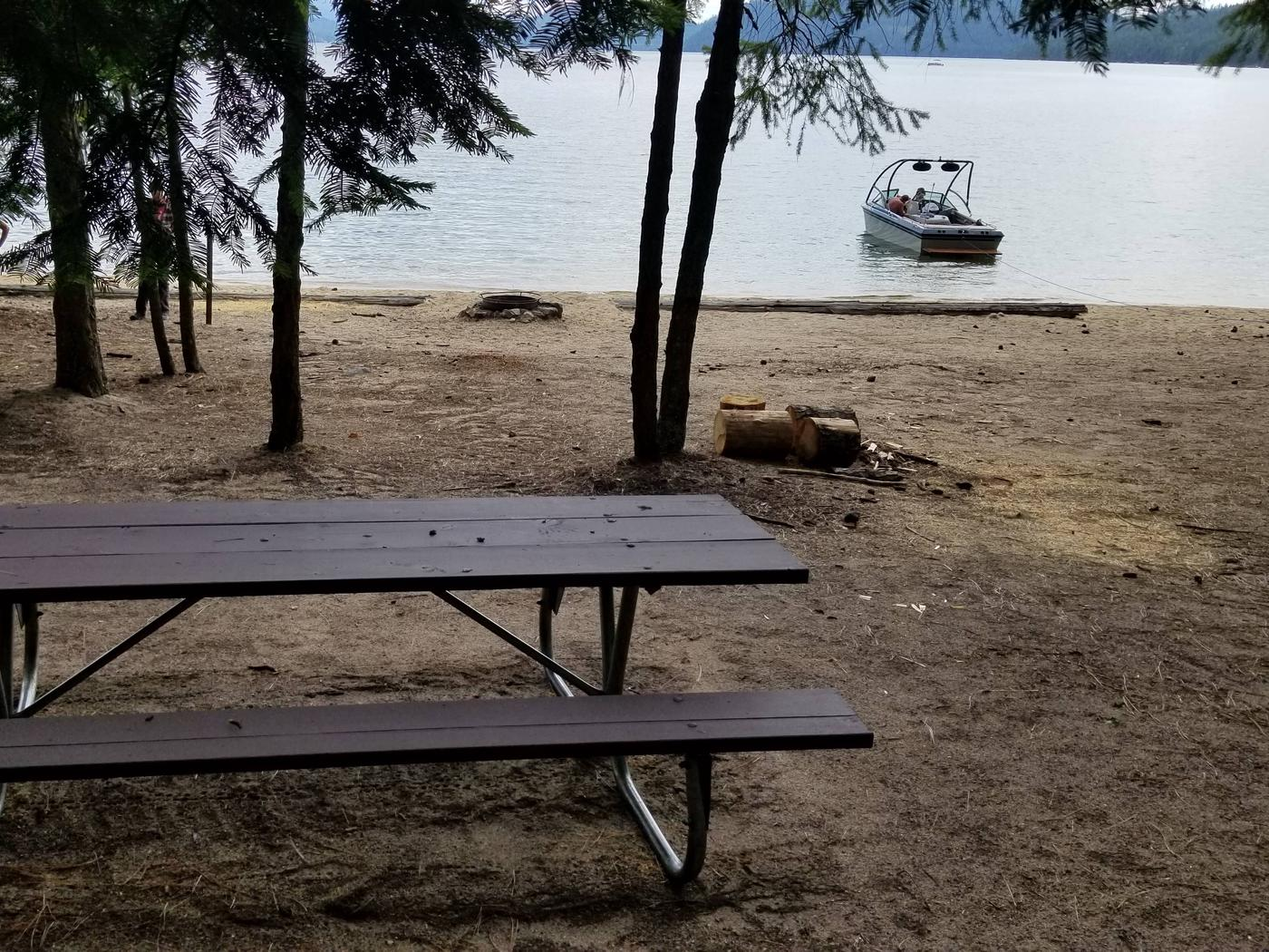 South Bartoo Site #10South Bartoo Boat-in Campsite #10