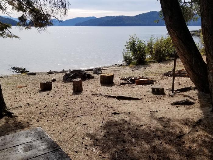 Selkirk Site #26Selkirk Boat in Campsite #26