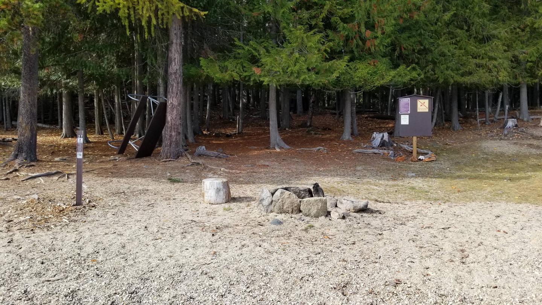 Selkirk Site #27Selkirk Boat in Campsite #27