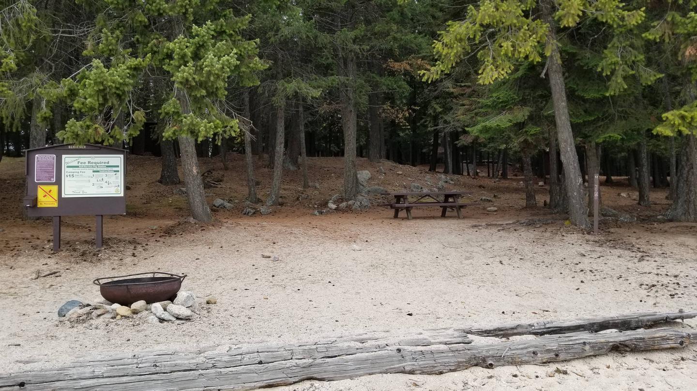 Schneider Site #12Schneider Boat-in Campsite #12
