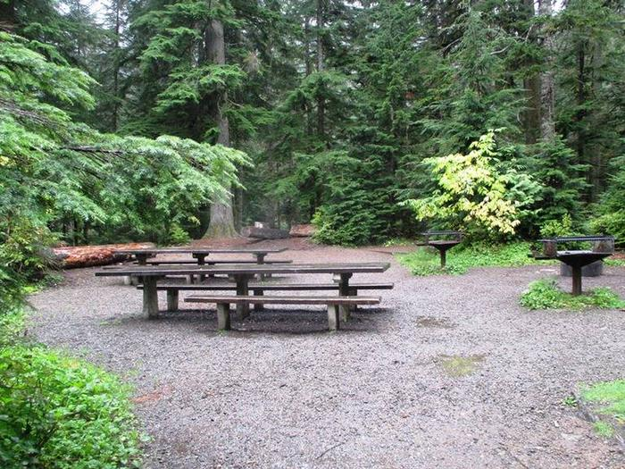 Denny Creek Campground GroupGroup Site