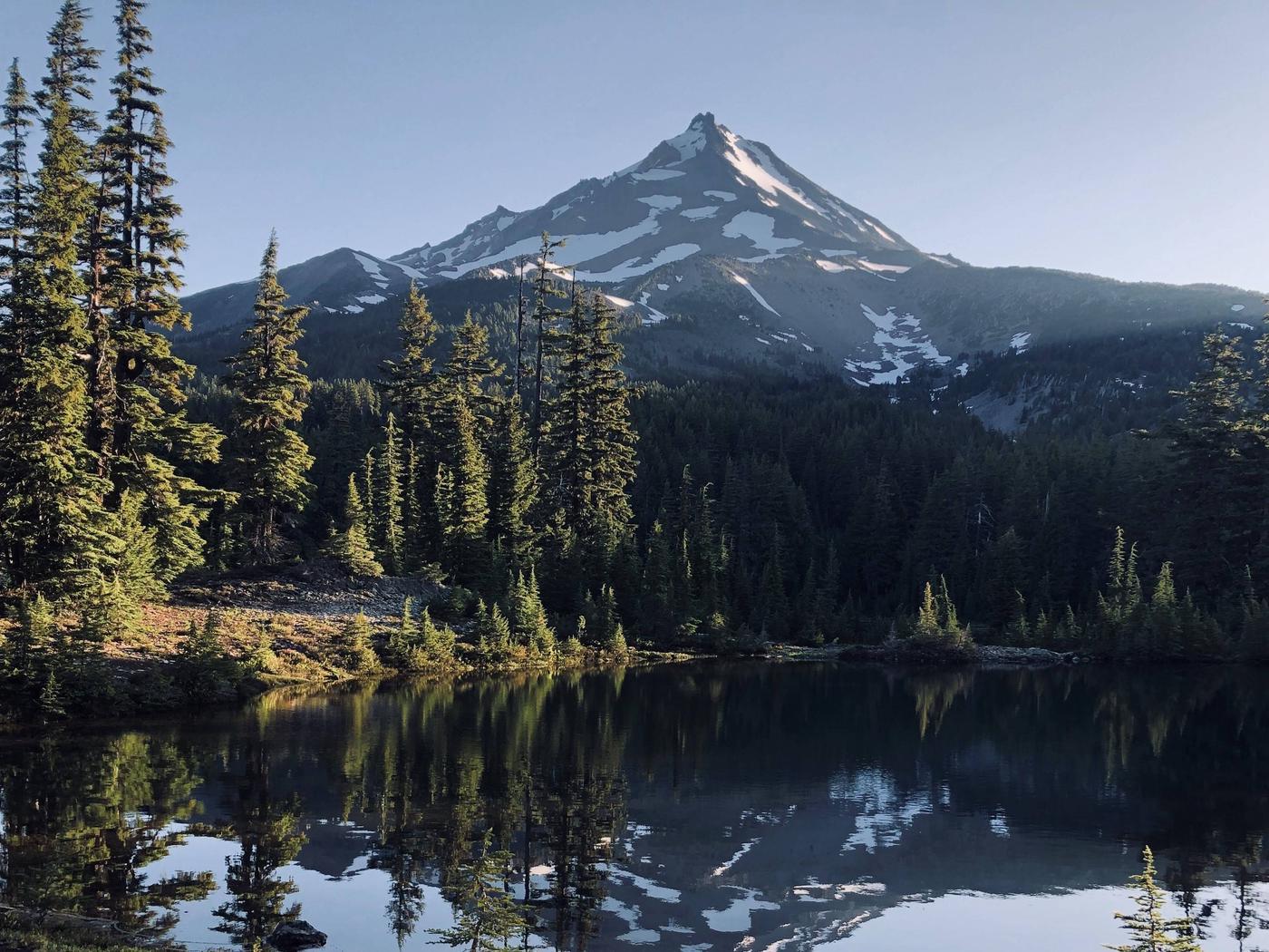 Mount JeffersonMount Jefferson from Shale Lake
