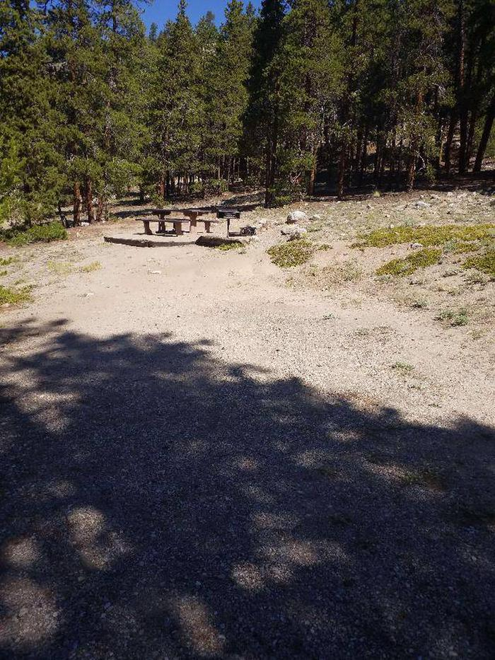 Lakeview Campground, Site A4 parking