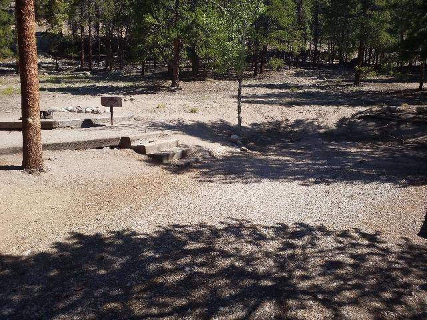 Lakeview Campground, Site A6 parking