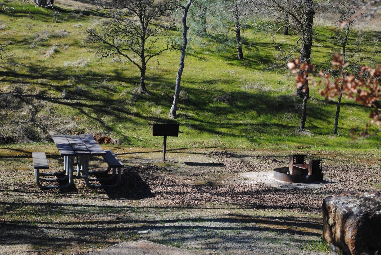 Acorn Campground Site 4 picnic areaSlip site