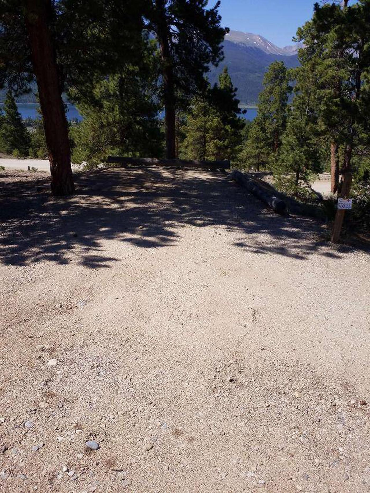 Lakeview Campground, site B1 parking