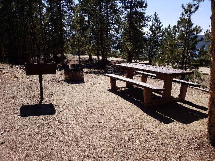 Lakeview Campground, site B2 picnic table