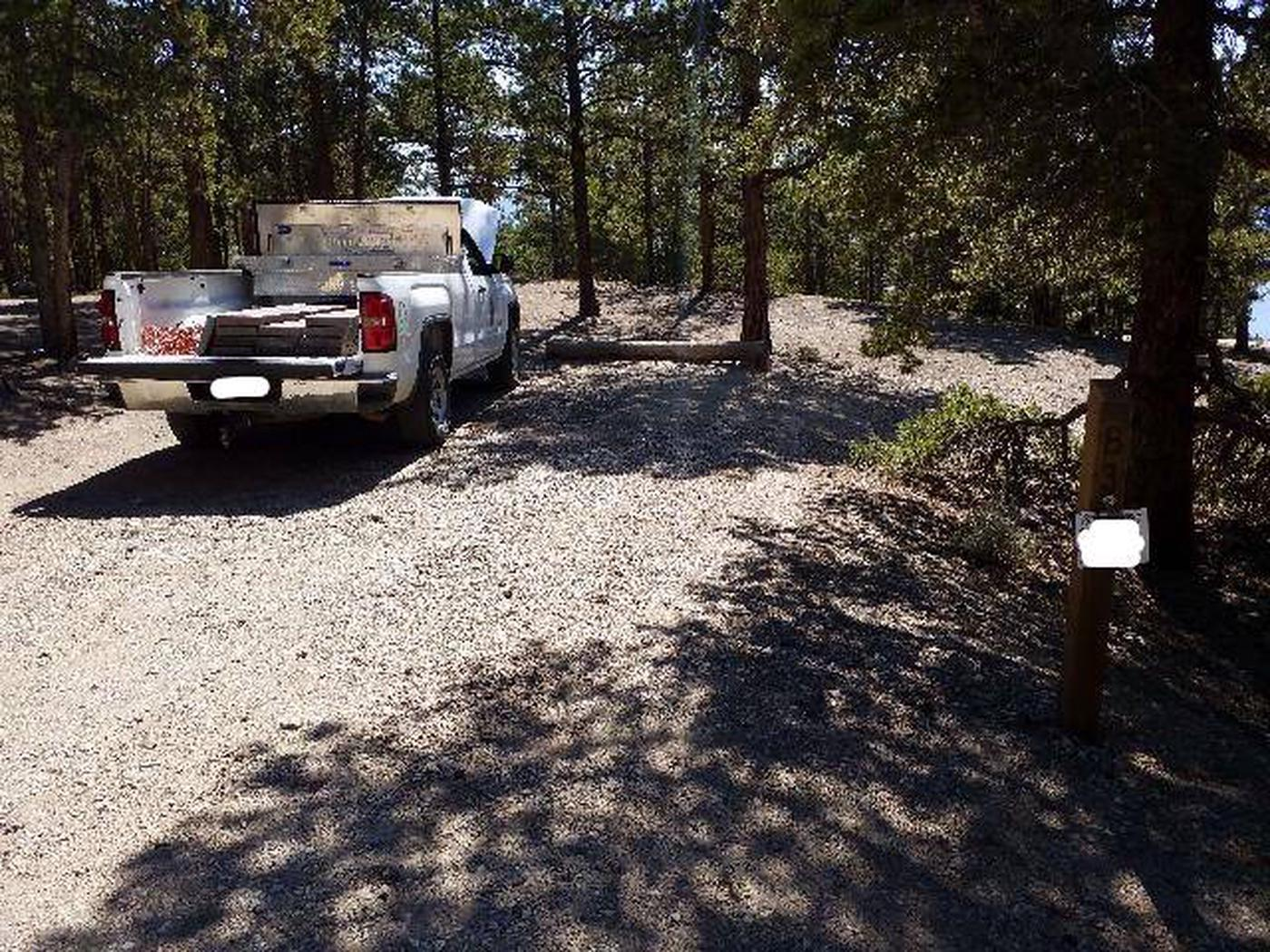 Lakeview Campground, site B3 parking and marker