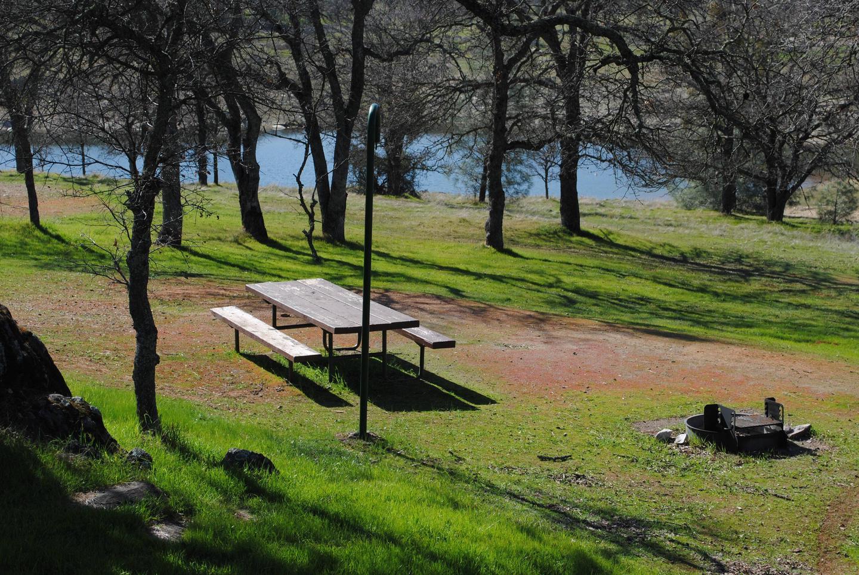 Acorn Campground Site 74 campPull through