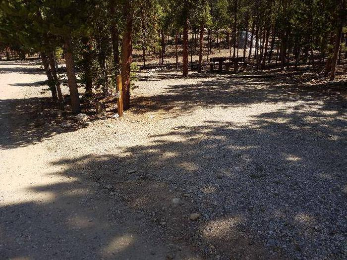 Lakeview Campground, site C2 parking