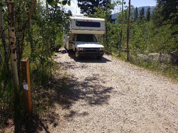 Lakeview Campground, site D2 parking
