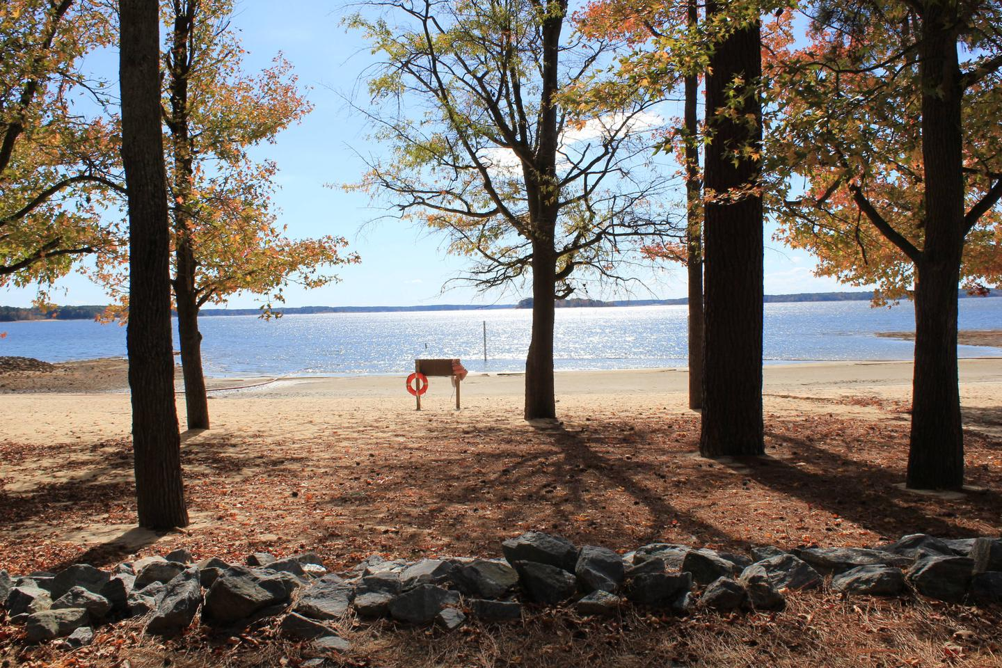 NBP DUAWelcome to North Bend Park! This is the Day Use Area Beach located in North Bend Park.