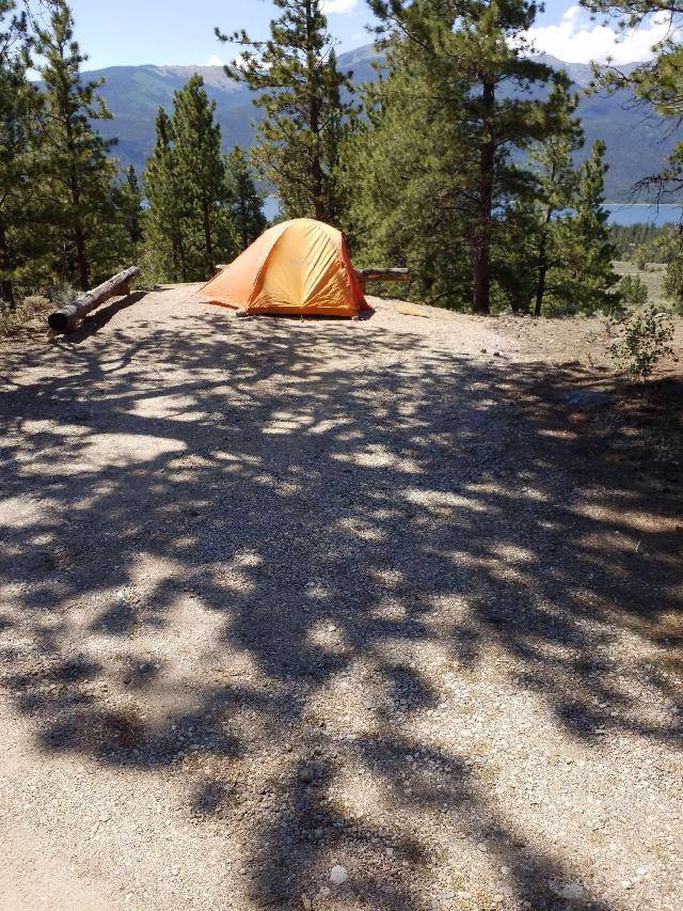 Lakeview Campground, site E1 camping spot with parking