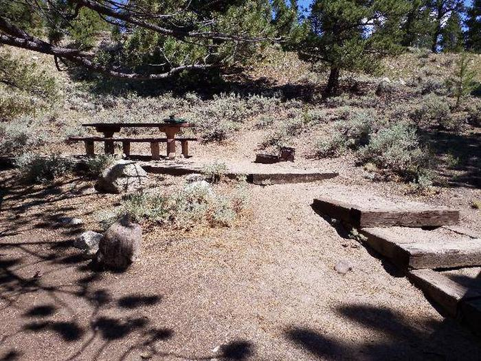 Lakeview Campground, site E5