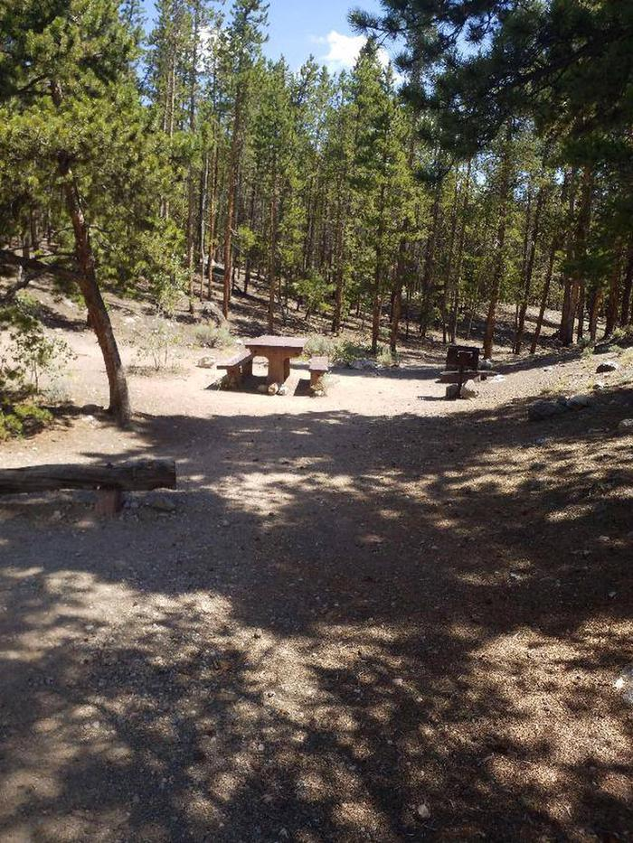 Lakeview Campground, site F1 site view