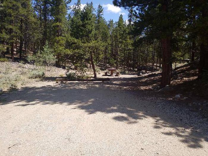 Lakeview Campground, site F1 parking