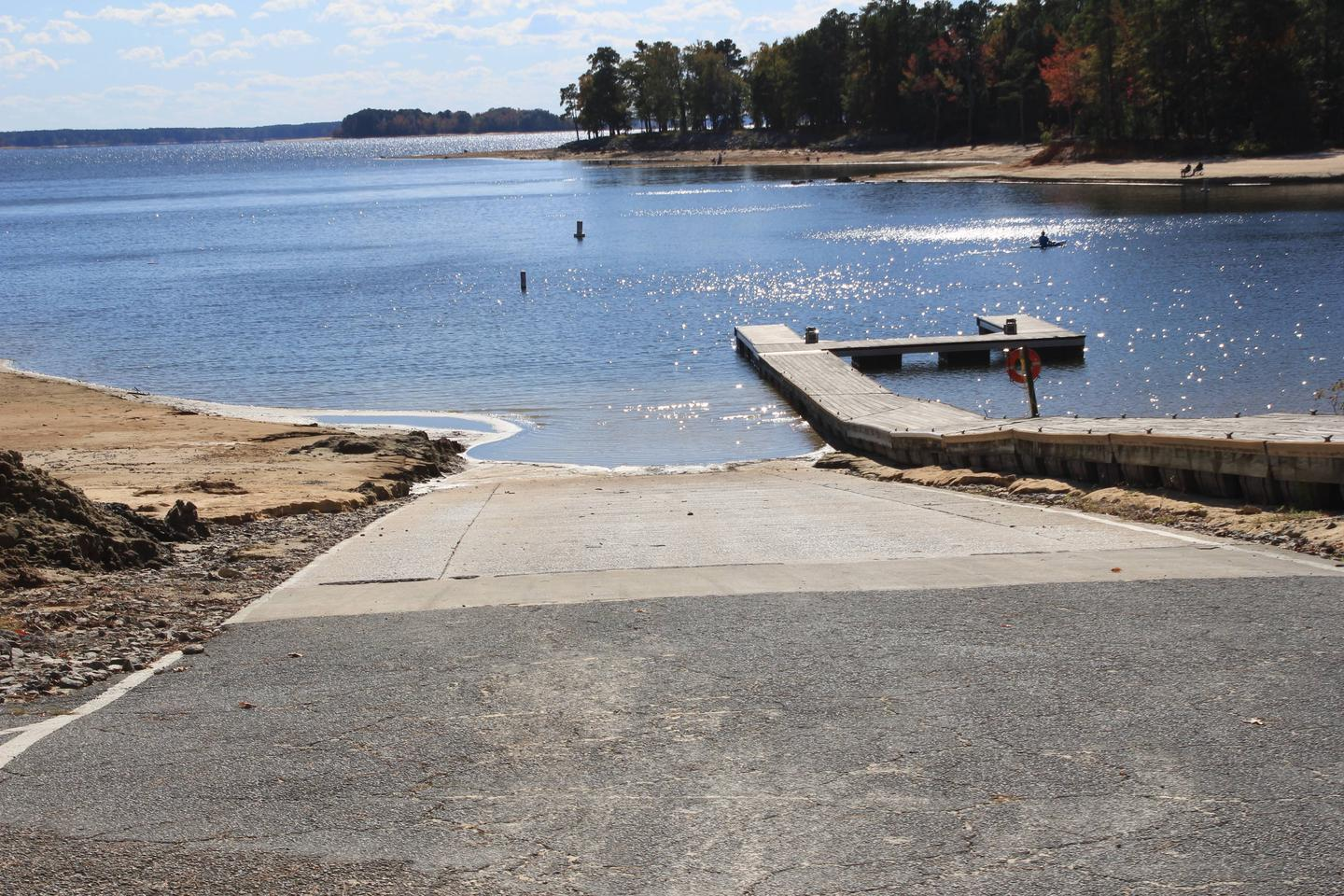 NBP Main Boat RampWelcome to North Bend Park! This is the main boat ramp located in North Bend Park. This boat ramp is open to the public.