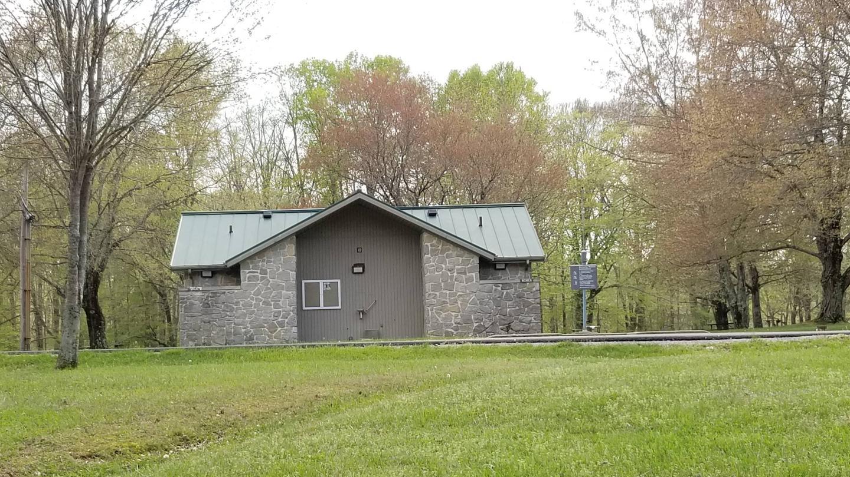Building 10 ShowerhouseShowerhouse located near sites 24-43