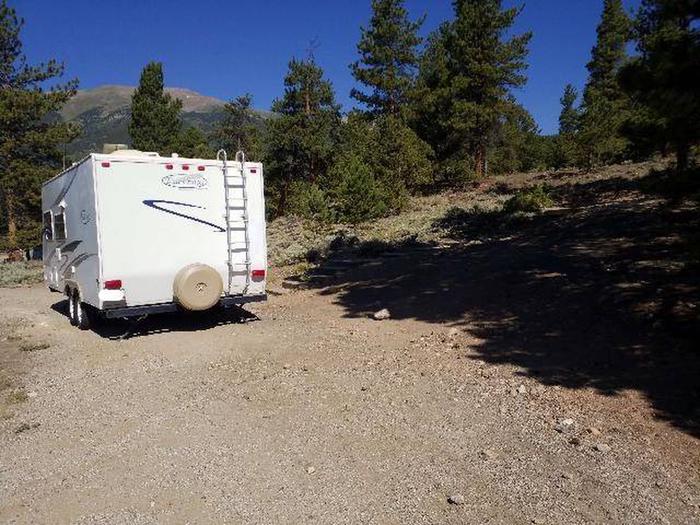 White Star Campground, site 25 pull-through parkingWhite Star Campground, site 25 parking