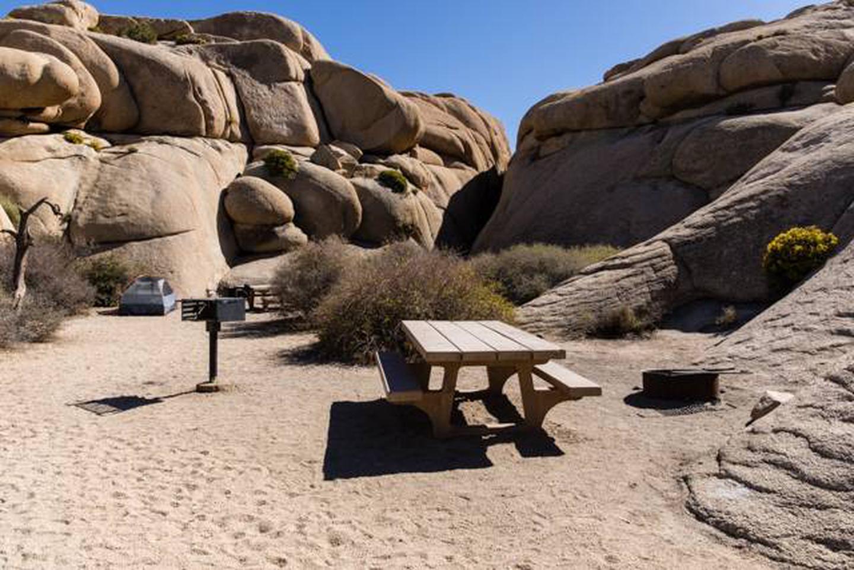 Jumbo Rocks site 5dCampsite