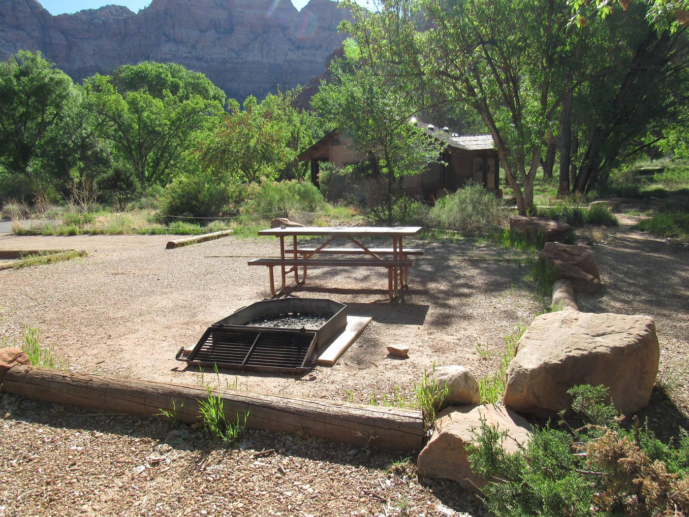 C15 firepitC15 picnic area and firepit