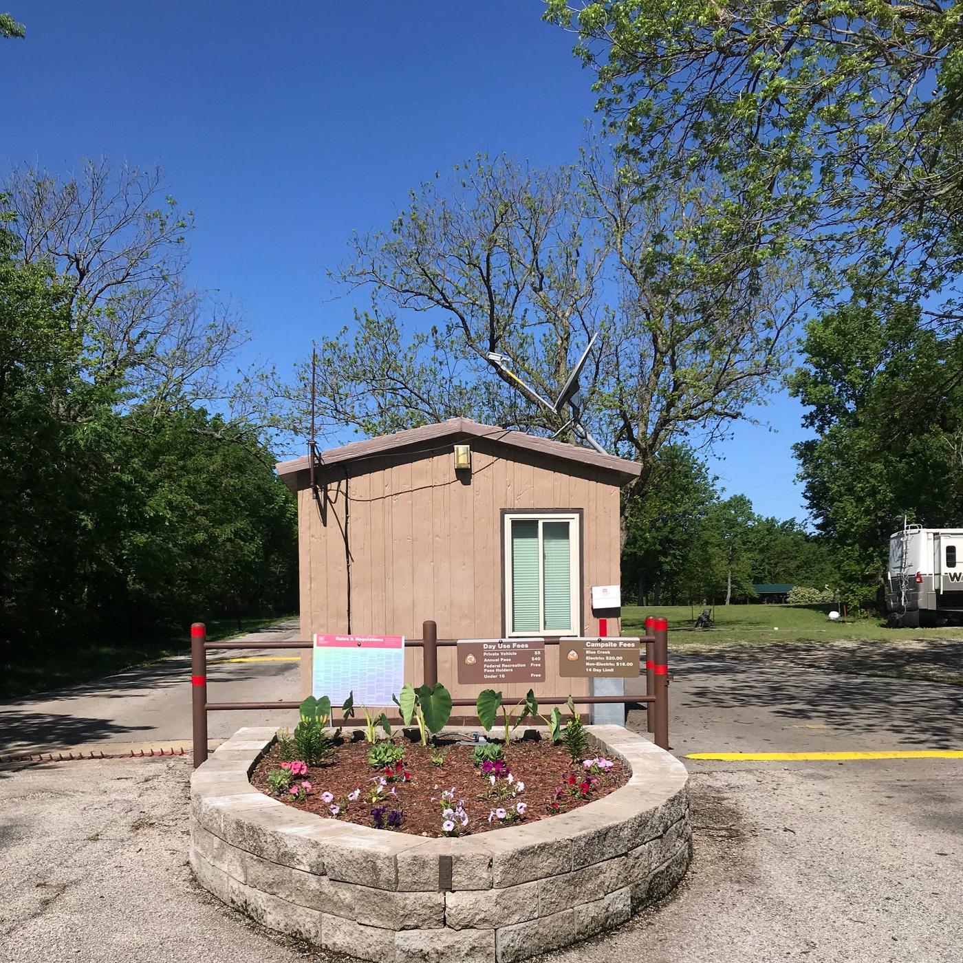 Blue Creek Gate ShackGATE HOUSE