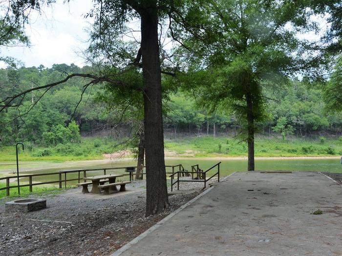 Gillham Lake, Big Coon Creek Campsite # 25Campsite #25