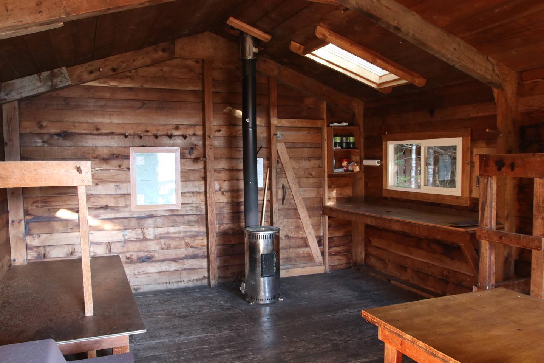 InteriorSpurt Cove Cabin has dual heat sources
