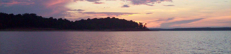 Sunset along the southern shoreline of Sardis LakeSardis Lake Sunset