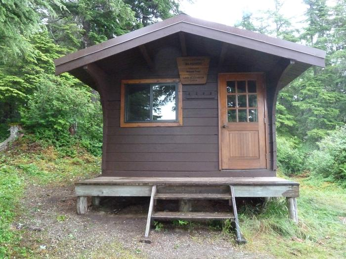 Lake Alexander cabin Exterior 1Front