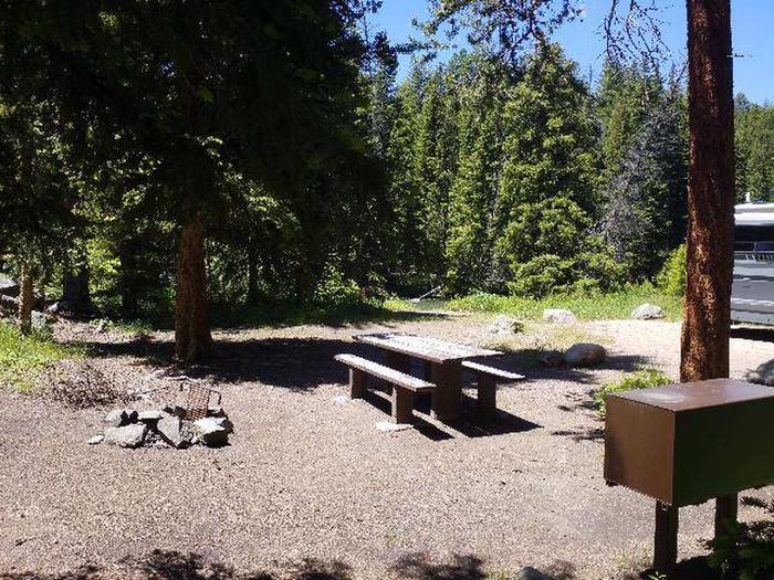 Hunter Peak Camp Site 6 Picnic Table