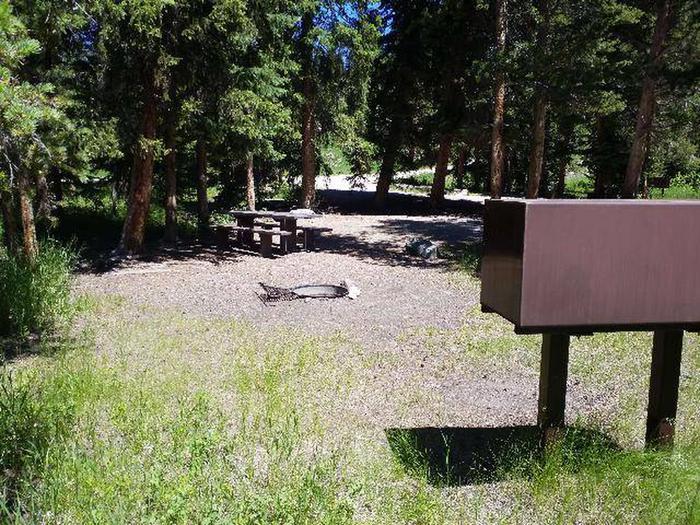 Hunter Peak Campsite 4 Back