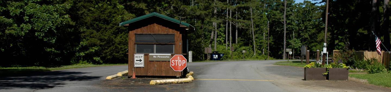 Entrance of Sugar Loaf Park Entrance of Sugar Loaf Park