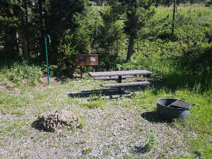Threemile Campground Campsite 1 - Picnic Area