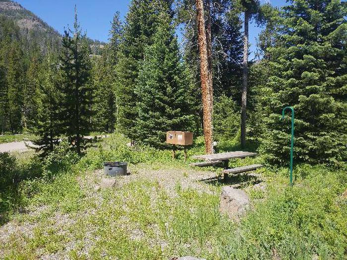 Threemile Campground Campsite 13 - Picnic Area
