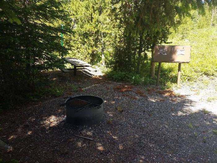 Threemile Campground Campsite 15 - Picnic Area