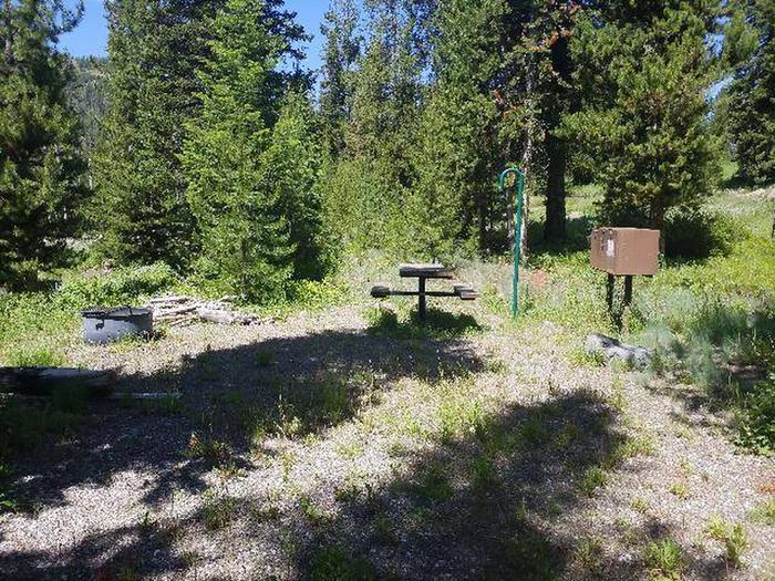 Threemile Campground Campsite 17 - Picnic Area