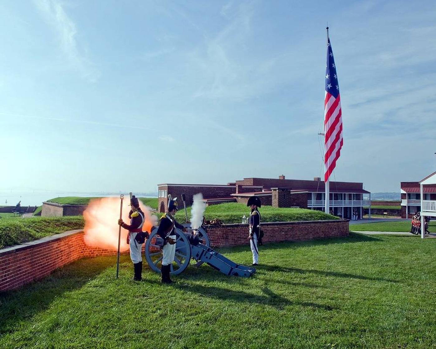 Cannon Demonstration at Fort McHenryCostumed Interpreters provide a Cannon Demonstration at Fort McHenry