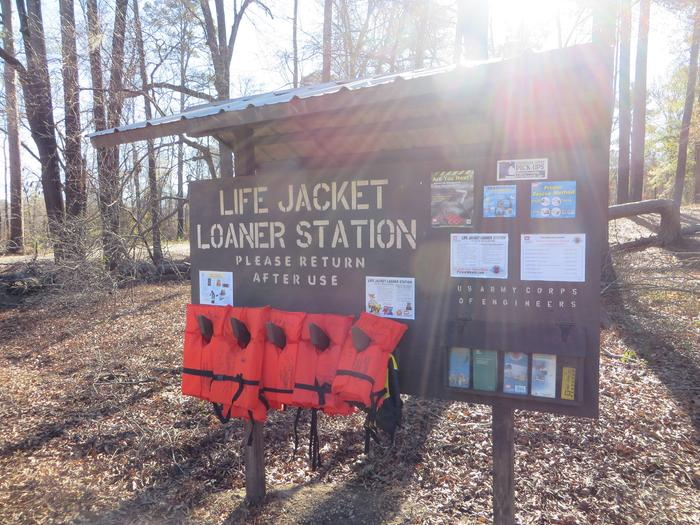 Life Jacket Loaner StationLife jacket loaner station located near South Abutment East boat ramp. Loaner station is available for all patrons on Bayou Bodcau. Remember to wear your life jacket when on or near the water.
